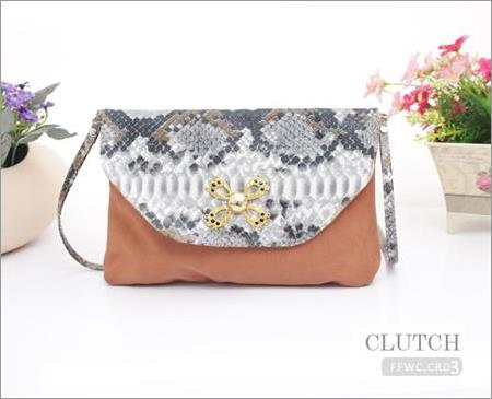 Clutch Wanita Simple FFWC.CRD3.CM